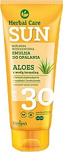 Düfte, Parfümerie und Kosmetik Wasserfeste Sonnenschutzemulsion mit Aloe Vera SPF 30 - Farmona Herbal Care Sun SPF 30