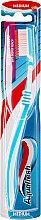 Düfte, Parfümerie und Kosmetik Zahnbürste mittel Between Teeth hellgrün-weiß - Aquafresh Between Teeth Medium