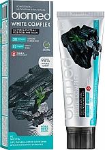 Düfte, Parfümerie und Kosmetik Natürliche und aufhellende Zahnpasta mit Aktivkohle, Bambus- und Holzkohle - Biomed White Complex