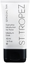 Düfte, Parfümerie und Kosmetik Feuchtigkeitsspendende Selbsbräunungscreme für das Gesicht Medium/Dark - St. Tropez Gradual Tan Classic Face Cream Medium/Dark