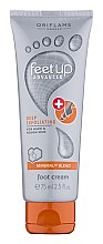 Düfte, Parfümerie und Kosmetik Fuß-Peelingcreme für harte und raue Haut - Oriflame Feet Up Advanced Peeling Cream For Legs