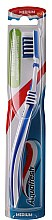 Düfte, Parfümerie und Kosmetik Zahnbürste mittel In-Beetwen Clean dunkelblau-weiß - Aquafresh In-beetwen Clean Medium