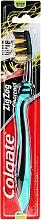 Düfte, Parfümerie und Kosmetik Zahnbürste mit Aktivkohle mittel Zig Zag Minze-schwarz - Colgate
