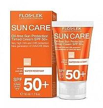 Düfte, Parfümerie und Kosmetik Tonisierende Sonnenschutzcreme für fettige und Mischhaut SPF 50+ - Floslek Sun Protection Cream SPF50+