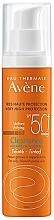 Düfte, Parfümerie und Kosmetik Getönnte Sonnenschutzcreme für fettige und Problemhaut SPF 50 - Avene Solaire Cleanance Tinted SPF50+ Sun Cream