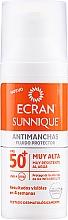 Düfte, Parfümerie und Kosmetik Sonnenschutzfluid für das Gesicht gegen Pigmentflecken SPF 50+ - Ecran Sunnique Antimanchas Facial Spf50+