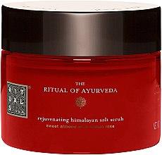 Düfte, Parfümerie und Kosmetik Reinigendes Körperpeeling mit rosa Steinsalz aus dem Himalaya - Rituals The Ritual of Ayurveda Body Scrub