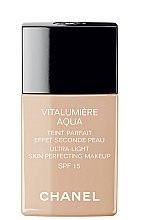 Düfte, Parfümerie und Kosmetik Foundation für eine strahlende Haut LSF 15 - Chanel Vitalumiere Aqua