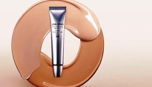 Feuchtigkeitsspendende BB Creme LSF 30 - Shiseido Perfect Hydrating BB Cream — Bild N2