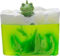 Düfte, Parfümerie und Kosmetik Handgemachte Naturseife Lime - Bomb Cosmetics It's Not Easy Being Green Soap