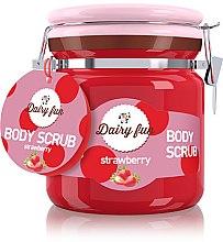 Düfte, Parfümerie und Kosmetik Salz-Körperpeeling mit Erdbeerduft - Delia Dairy Fun Body Scrub