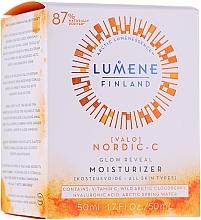 Düfte, Parfümerie und Kosmetik Feuchtigkeitsspendende und aufhellende Tagescreme mit Vitamin C - Lumene Valo Glow Reveal