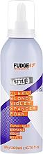 Düfte, Parfümerie und Kosmetik Schaumfestiger gegen Gelbstich für ein leuchtendes und extrem voluminöses Blond - Fudge Clean Blonde Violet Xpander Foam