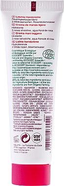 Leichte Handcreme mit 3 Wildrosensorten und Rosenblütenwasser - Melvita Nectar De Rose Light Hand Cream — Bild N2
