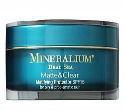 Düfte, Parfümerie und Kosmetik Mattierende und schützende Gesichtscreme für fettige und Problemhaut SPF 15 - Mineralium Matte&Clear Matifying Protector SPF15